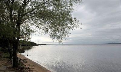 MADES advierte sobre nula recomendación de bañarse en Lago Ypacaraí y Bahía de Asunción