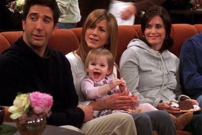 Emma, la hija de Ross y Rachel en la serie Friends, finalmente se despertó de su siesta