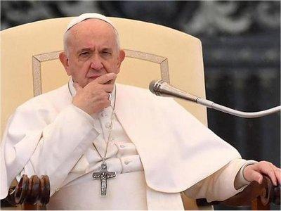 Francisco llama a la paz en plenas tensiones entre EEUU e Irán