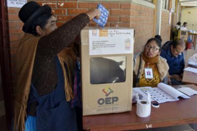 Los nuevos comicios en Bolivia se celebrarán en mayo, según vocal electoral