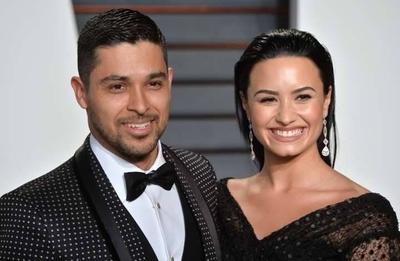 """HOY / Demi Lovato está """"contenta"""" por el compromiso de su exnovio Wilmer Valderrama"""