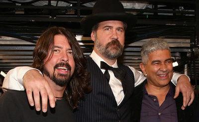 Miembros de Nirvana se reúnen para tocar sus hits por una buena causa