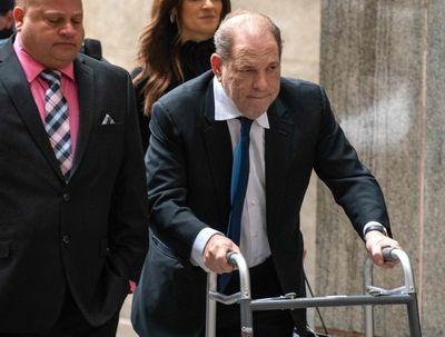 """Weinstein dice que estaba """"consumido"""" por su """"búsqueda del éxito"""""""
