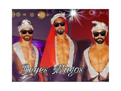 """Aparecieron las """"Reinas y Reyes Magos SEXYS"""""""