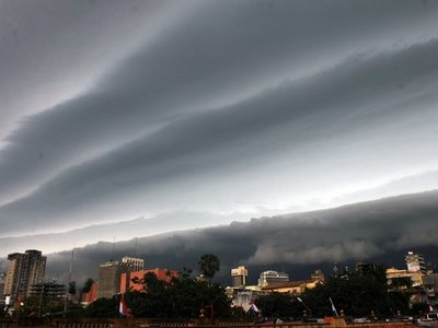 Lunes con extremo calor y posibles tormentas eléctricas en todo el país
