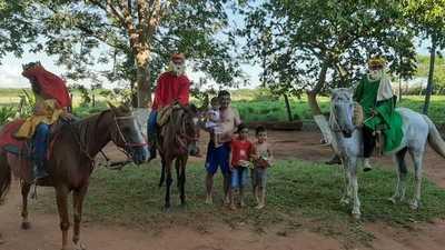 Reyes Magos entregaron juguetes a niños de una población rural de Yby Yaú