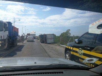 Presuntos contrabandistas: Persecución y vuelco en zona del Puente Remanso