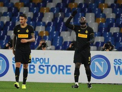 Lukaku y Lautaro hunden al Napoli y el Inter es líder junto a Juventus