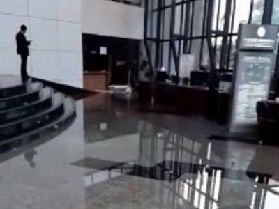 Congreso Nacional bajo agua tras fuerte temporal