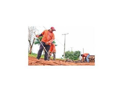 Municipalidad del Este repara calles   con recursos propios, sin tercerizar