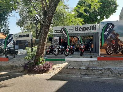 Benelli se presenta en la capital del verano