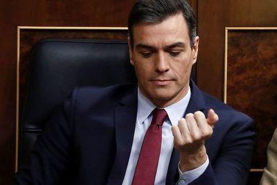 Pedro Sánchez, a un paso de la presidencia gracias a una votación muy ajustada