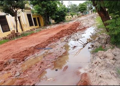 Deplorable estado de calles en la cercanía de la Iglesia Catedral