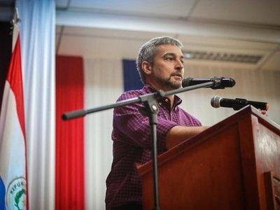 Abdo Benítez felicita a Sánchez y espera fortalecer lazos con España