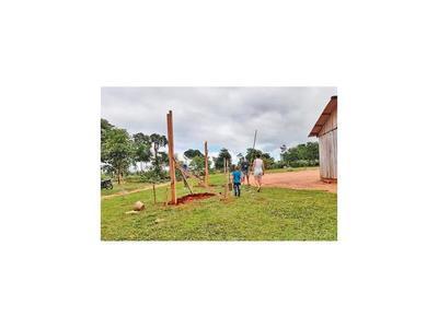 En  Marina Cué construyen aulas en medio de conflicto