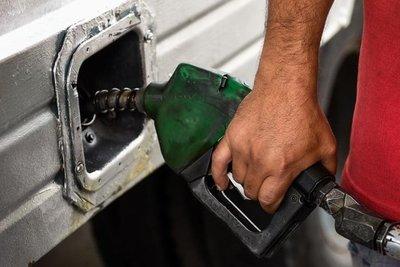 Advierten suba de combustibles si continúa conflicto en Medio Oriente