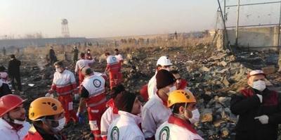 Avión se estrella en Teherán; mueren sus 176 ocupantes