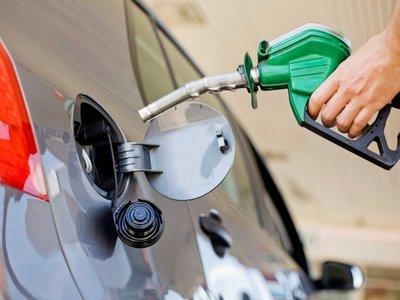 No descartan subas en el precio de combustibles por conflicto entre EEUU e Irán