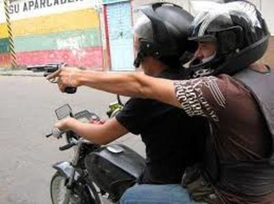 Delincuentes roban G. 19 millones a empleado