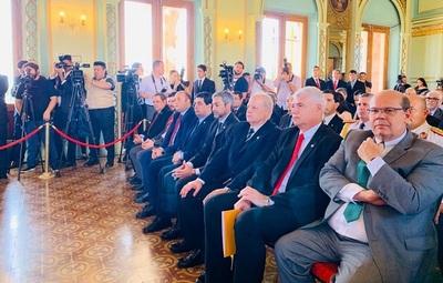 Abdo habla de fortalecimiento de la conexión logística del Chaco paraguayo con nuevo puente