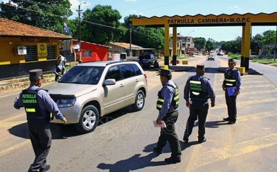 Caminera analiza denunciar a conductor que coimeó a agente