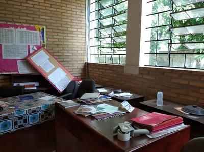 Colegio Leyes de Chávez: Robaron computadoras, monitores e incluso equipos de circuito cerrado