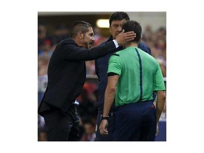 Una dura sanción: Simeone, suspendido con 8 partidos