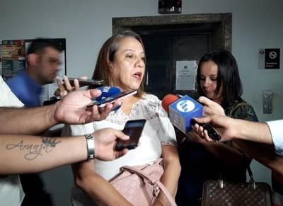 'El sponsor de Camilo, lo único que les puedo decir es que hace mucho daño al pulmón'- Rocío Casco