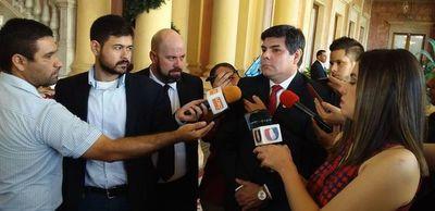 Pese a estar imputado, titular de Caja Bancaria pidió al Presidente que firme decreto que valide su reelección