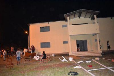 San Pedro: Gobernador denuncia 'patoteada' de diputado Freddy D'Ecclesiis en subsede