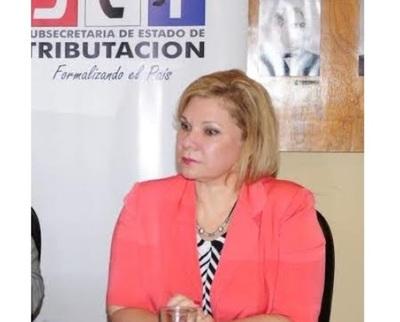 Exviceministra de Tributación pide que Fiscalía la investigue