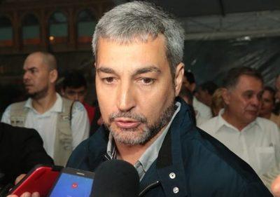 Abdo Benítez se reunirá con intendentes para definir estrategias contra el dengue
