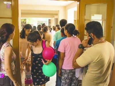Urgencias abarrotadas por aumento de casos de dengue