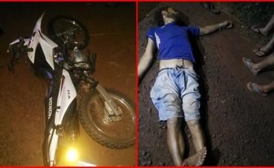 Peatón muere arrollado por un motociclista