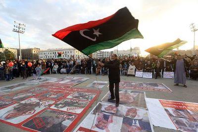 Los dos bandos enfrentados en el conflicto de Libia aceptan alto el fuego