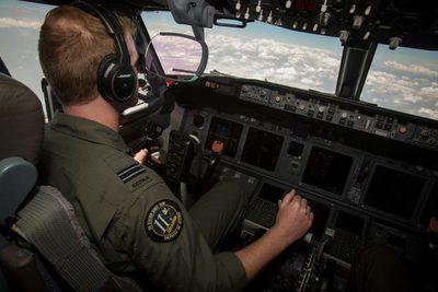 ¿Cómo es volar por encima de la zona incendiada de Australia?