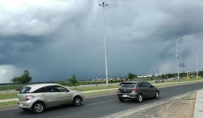 Anuncian tormentas eléctricas para siete departamentos