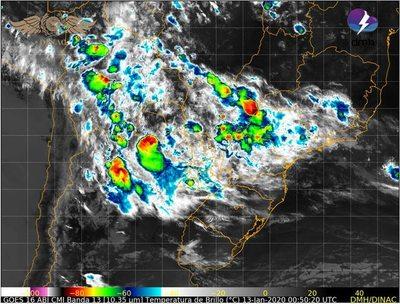 Renuevan alerta climatológica por tormentas eléctricas