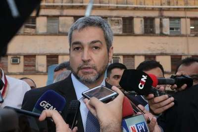 Mario Abdo anuncia que contrarían 500 personales de blanco para el IPS