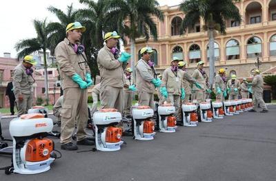 Entregan máquinas y equipamientos para fortalecer campaña antidengue