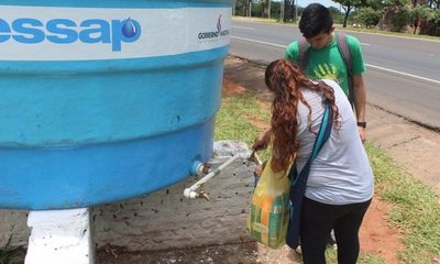 Instalan tanques de agua ante escasez del líquido vital
