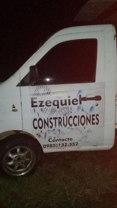 Camión abandonado hace dos días genera sospechas a vecinos en Ayolas