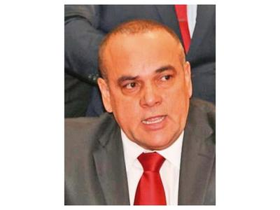 Bachi Núñez se desmarca de pelea entre Camilo y Rocío por financiación política