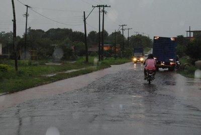 Martes caluroso y lluvioso, prevé Meteorología