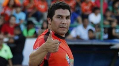 HOY / Periodista deportivo blanco de críticas por comentario desafortunado sobre Salvador Cabañas