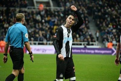On fire: Miguel Almirón marca otro tanto para el Newcastle