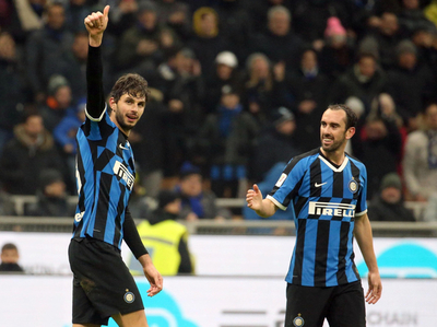 Lukaku y Borja Valero meten al Inter en cuartos de Copa