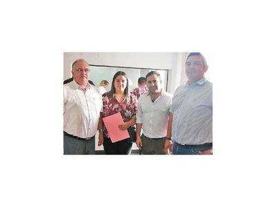 Concejales de Guairá denuncian al gobernador Vera