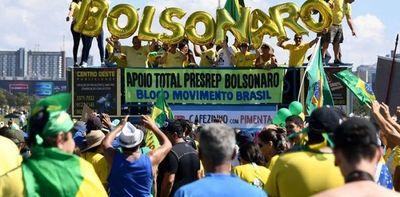 Miles de brasileños se manifiestan en apoyo del gobierno de Jair Bolsonaro