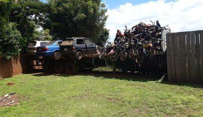 Policía podría destruir vehículos abandonados en las comisarias